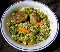 W Mojej Kuchni Lubię.. : warzywa z makaronem i mielonym kotletem...