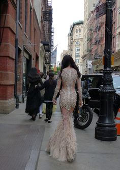 She's doing it in this dress. #snatched!