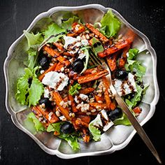 This Pomegranate Persimmon Salad is bright and colorful with persimmons, feta and a honey balsamic vinaigrette. A quick and easy, healthy salad! Easy Salads, Healthy Salads, Healthy Eating, Healthy Recipes, Healthy Food, Chutneys, Honey Balsamic Vinaigrette, French Vinaigrette, Persimmon Recipes