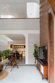 Gallery of V House / AD9 Architects - 2 Modern Tropical House, Tropical House Design, Small House Design, Tropical Houses, Interior Architecture, Interior And Exterior, Townhouse Interior, Narrow House, Indochine