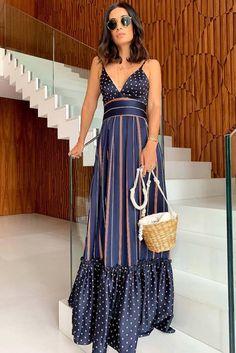 👗Ürün Puantiyeli elbise 👉Bedenler: S-M-L ✔️Sipariş ve bilgi için WhatsApp 💖You are at the address of the most beautiful and stylish clothing. Casual Dresses, Fashion Dresses, Polka Dot Maxi Dresses, Long Summer Dresses, African Print Dresses, Stylish Outfits, Mantel, Dress To Impress, Dress Skirt