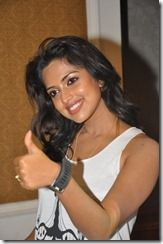 Amala_Paul_Hot_Photo_sideview1