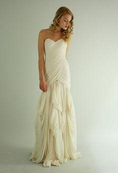 KateOne of a kindSilk Chiffon Wedding gownSAMPLE SALE door Leanimal,