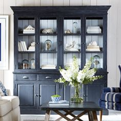 5 EASY TIPS TO STYLE A HUTCH | Living room styles, Easy tricks and ...