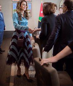 20 February 2017 - Queen Rania meets with Jordanian academics - skirt by Mary Katrantzou