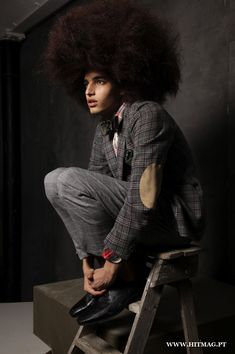 Luis Borges' notable head of hair gets a lesson in volume for his recent work with photographer Kenton Thatcher. Photographed for Hit Mag, Luis is styled by… Natural Hair Men, Curly Hair Men, Big Hair, Curly Hair Styles, Natural Hair Styles, Natural Man, Natural Beauty, Black Men Hairstyles, Afro Hairstyles