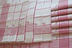 """RESERVIERT f. Jung !!! 12 wundervolle Leinentücher Geschirr Küchen Wisch Handtücher"""" Monogramm JK """" rot farbige Streifen / Original - ALT! von Linenandtextiles auf Etsy"""