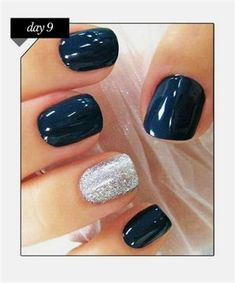 A Touch of Tinsel, Holiday Nails for Every Party This Season Nagellack für dunkle Haut Holiday Nails for Every Party This Season Fancy Nails, Cute Nails, Pretty Nails, Pretty Nail Colors, Essie, Hair And Nails, My Nails, Nail Design Spring, Nail Manicure