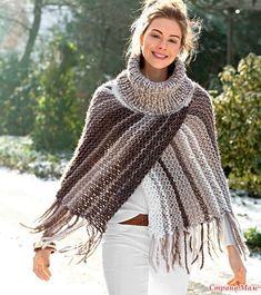 Poncho from CCC - poncho with moss stitch with a pocket on front. Poncho Pattern: Chain the chains with a slip SC, increase on ev Poncho Outfit, Poncho Shawl, Knitted Poncho, Knitted Shawls, Crochet Shawl, Crochet Baby, Knit Crochet, Knitting Patterns, Crochet Patterns