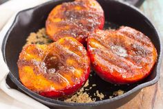 These Grilled Peaches with Cinnamon and Brown Sugar are a delicious, healthier dessert. Fresh peaches are lightly grilled and then topped with a cinnamon and brown sugar mixture that caramelizes to pe (Ingredients Desserts Sugar) Grilled Fish Recipes, Grilled Fruit, Healthy Grilling Recipes, Grilled Peaches, Fruit Recipes, Healthy Snacks, Cooking Recipes, Grilled Desserts, Recipies