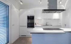 Küche: minimalistische Küche von Skandella Architektur Innenarchitektur