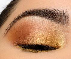 """Here's a softer, more """"daytime"""" look using the new Urban Decay Naked Honey palette! -- See the breakdown for the other eye here. Maquillage Urban Decay, Urban Decay Eyeshadow, Urban Decay Makeup, Palette Urban Decay, Naked Palette, Eyeshadow Tips, Eyeshadow Makeup, Daytime Eyeshadow, Make Up"""