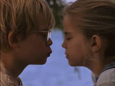 Trending GIF love kiss macaulay culkin my girl anna chlumsky veda thomas j Make You Cry, Say I Love You, Anna Chlumsky, Emotional Movies, Best Romantic Movies, Irish Language, Macaulay Culkin, Boys Don't Cry, Actions Speak Louder Than Words