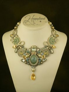Le gioie di Happyland, soutache and beadwork necklace