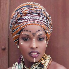 Make up ethnique African Makeup, African Beauty, African Women, Natural Wedding Makeup, Wedding Makeup Looks, African Face Paint, Afrika Tattoos, Tribal Face Paints, Tribal Makeup