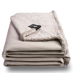 As 'zoeppritz since celebrates its year and launches the REBORN-product range, the decision has been taken not to Animal Fur, Folded Up, Bliss, Towel, Product Launch, Blanket, Color, Long Sides, Fake Fur