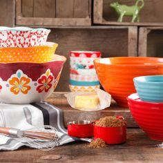 Ree's kitchen/cook/bakeware line!!! : It's Here! | The Pioneer Woman @thepioneerwoman