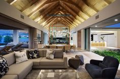 """Contemporary house modeled after the traditional traditional """"Cape Dutch Langhuis,"""" features a long, open floor plan with exposed trusses in this home in Stellenbosch, South Africa. Farmhouse Architecture, Interior Architecture, Exposed Trusses, Built In Braai, Piece A Vivre, Modern Farmhouse, Luxury Homes, Contemporary, House Styles"""