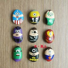 Marvel Comics cartoon hand-painted stone Superman Batman painted on stone creative stone painting