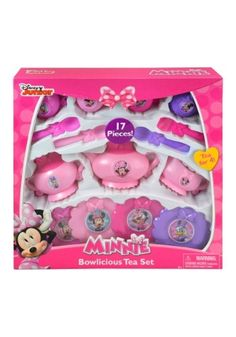 Tea parties will be super special when using this Minnie Mouse 17 pc Tea Set. Have tea for four and feel the Disney magic. Disney Frozen Bedroom, Disney Princess Room, Minnie Mouse Kitchen, Minnie Mouse Toys, Ariel Doll, Cute Bedroom Decor, Dressing Room Design, Cool Toys For Girls, Realistic Baby Dolls