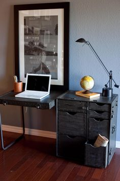 This vintage military field desk folds up into a trunk with fully functional metal hardware, pull out drawers, and a beautiful portability. Simply beautiful!