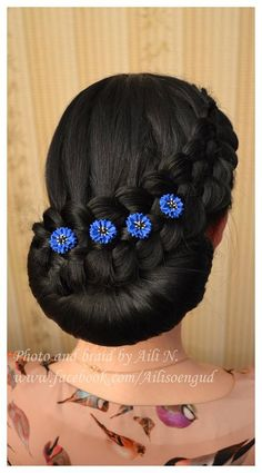 Cornflower hair pins by SysimustHandmade
