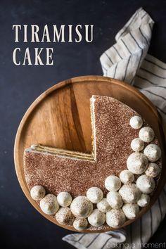 Tiramisu Cake: just like the classic Italian dessert, in layer cake form! So much rich coffee flavor, and I loved the boozy kick! food desserts cake via Allie Baking a Moment Italian Desserts, Fun Desserts, Delicious Desserts, Dessert Recipes, Cake Recipes, Health Desserts, Bolo Tiramisu, Tiramisu Recipe, Tiramisu Dessert