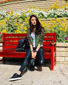 Erica Fernandez Throwback Pictures From Dubai Miracle Garden Are Every Bit Dreamy - HungryBoo Beautiful Bollywood Actress, Beautiful Indian Actress, Beautiful Actresses, Indian Tv Actress, Indian Actresses, Fashion Idol, Girl Fashion, Womens Fashion, Disha Patani Photoshoot