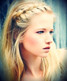 Nice photography and love her eye color. cute hair style.
