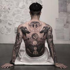 40 tattoos for men that are anything but easy .- 40 Tätowierungen für Männer, die alles andere als einfach sind – Nicholas Me… 40 tattoos for men that are anything but easy – Nicholas Mejia – # Change - Kunst Tattoos, Skull Tattoos, Black Tattoos, Body Art Tattoos, Sleeve Tattoos, Dragon Tattoos, Tatoos, Tattoos On Men, Fashion Tattoos