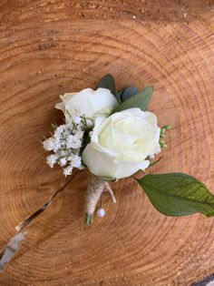 Various boutonnieres to coordinate with the bouquets. Stunning and timeless.