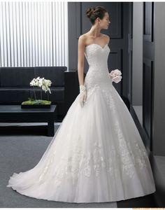 2015 Herz-ausschnitt Ausgefallene Luxuriöse Brautkleider aus Softnetz mit Applikation