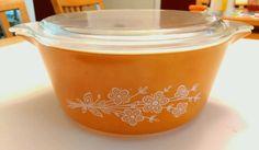 Pyrex Butterfly Gold # 475-B 2 1/2 Quart Casserole Bowl w/ Lid in Pottery & Glass, Glass, Glassware | eBay