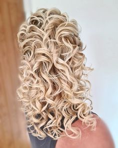 A defined and voluminous curl #curlyhair #curls #bridalhair #bridetobe #essexweddings #halfuphalfdown Date Hairstyles, Wedding Hairstyles, Bridal Hair Up, Voluminous Curls, October Wedding, About Hair, Bridesmaid Hair, Cut And Color, Mother Of The Bride