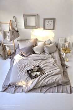 Cozy bedroom, fairytale bedroom, mattress on floor Mattress On Floor, Trendy Bedroom, Chic Bedroom, Bed Design, Bed, Chic Bedroom Design, Floor Bed, Fairytale Bedroom, Parisian Apartment Decor