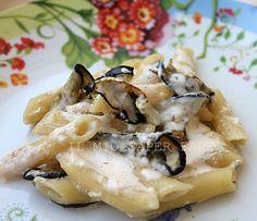 Pasta alla carbonara con melanzane    By Marisa Malomo  By Marisa Malomo  http://blog.giallozafferano.it/loti64/pasta-alla-carbonara-con-melanzane/    www.pastavera.it