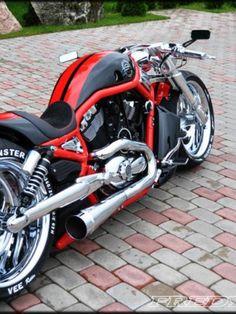 Harley Davidson V Rod Supercharged by Fredy Harley Davidson Night Rod, Motos Harley Davidson, Harley V Rod, Harley Bikes, Custom Bobber, Custom Harleys, Bobber Motorcycle, Cool Motorcycles, Custom Street Bikes