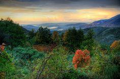 Parco Nazionale del Cilento. Il B La Casa di Lidia offre una vista spettacolare su tutta la valle del parco. E in lontananza si può vedere anche il mare. www.casadilidia.it