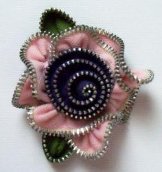 Pastel Pink a Purple Rose Květiny Brož / Zipper Pin by ZipPinning 1780