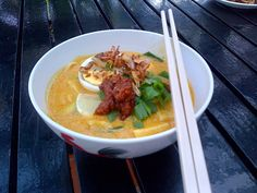 There are many types of laksa. Laksa is part of Malaysian food identity as pasta is to the Italians. Find out more about it, including many types of laksa recipes here Cooking School, Cooking Classes, Laksa Recipe, Malay Food, Malaysian Food, Wine Recipes, Pickles, Spicy, Curry