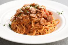 パスタは鍋に湯を沸かして麺をゆでるのと同時に、フライパンでソースを作らなければな - Yahoo!ニュース(講談社 JOSEISHI.NET) Yahoo, Spaghetti, Ethnic Recipes, Food, Essen, Yemek, Spaghetti Noodles, Meals