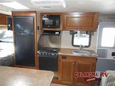 2016 New Lance Lance Travel Trailers 1685 Travel Trailer in Oklahoma OK.Recreational Vehicle, rv, 2016 Lance Lance Travel Trailers 1685, Take your adventures further in this Lance travel trailer model 1685. The large slide out u-dinette provides more interior space for moving around.Step inside and notice the convenient storage and cabinets to the left of the door. There is a bath straight ahead also that offers an angled shower, toilet, and sink. To the right of the entrance you will…