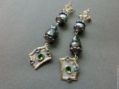 Купить Серьги из барочного жемчуга черный павлин, перидот, топаз, серебро - разноцветный, авторские украшения