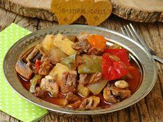 Kavanoz Kebabı Tarifi Beef, Chicken, Recipes, Kebabs, Food, Model, Dessert, Chef Recipes, Cooking
