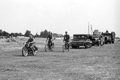 2 Battalion of Railway Bridges Legionowo Old Pictures, Old Photos, Serious Business, Vintage Bikes, Armed Forces, Stunts, World War Ii, Ww2, Monster Trucks