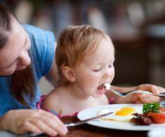 Ab einem Jahr wollen Kinder das essen, was den Großen schmeckt. Unsere Rezepte enthalten alle wichtigen Nährstoffe für Essanfänger.