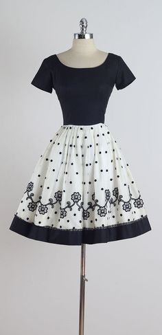 Markeson . vintage 1950s dress . vintage by millstreetvintage. Dresses from the 1950s are awesome