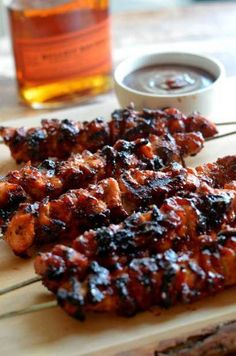 Probably the best grilled recipe EVER… : Bacon Bourbon BBQ Chicken Kebabs. Probably the best grilled recipe EVER… Yummy Food, Tasty, Yummy Lunch, Delicious Meals, Bbq Chicken, Chicken Spices, Chicken Kabobs, Chicken Bacon, Whiskey Chicken