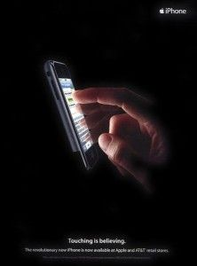 México D.F.- El 1 de abril de 1976 se veía la luz de una de las empresas tecnológicas más prodigiosas de todos los tiempos, Apple, que se creó con la finalidad de hacer completamente de revés el m...