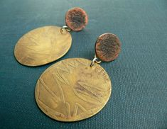 brass earrings, disk earrings, mixed metal, golden jewelry ,etching disc, earrings unique, metalwork, rustic jewellry